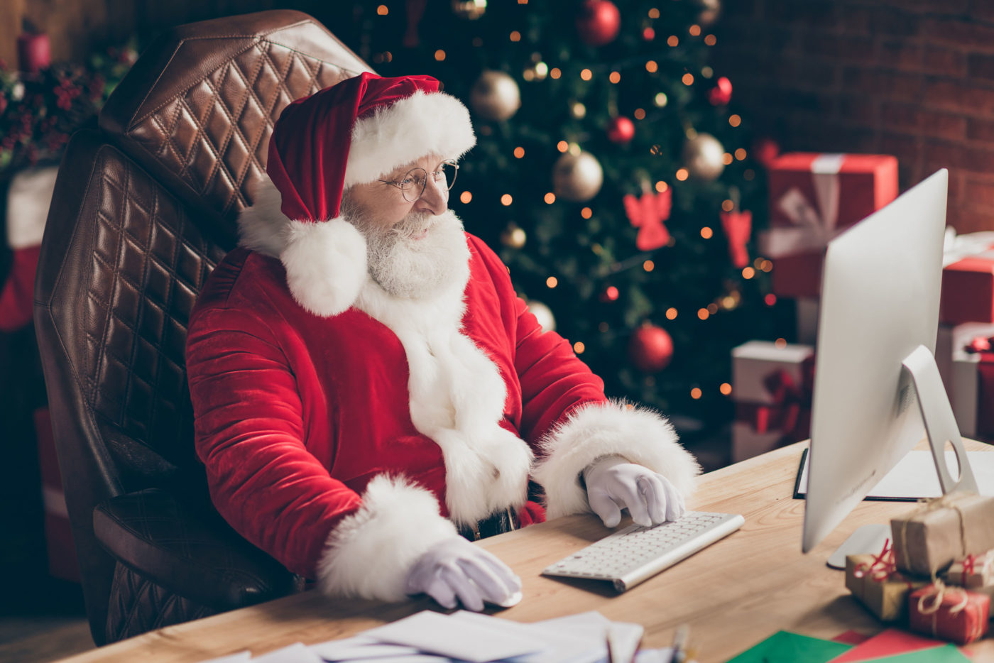 How Tech is Helping Us Celebrate the Holidays in 2020