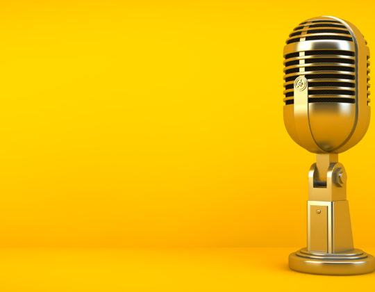 <8 Inspiring Podcasts for Women in Tech
